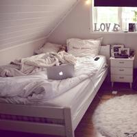 Spaß auf der Bettkante
