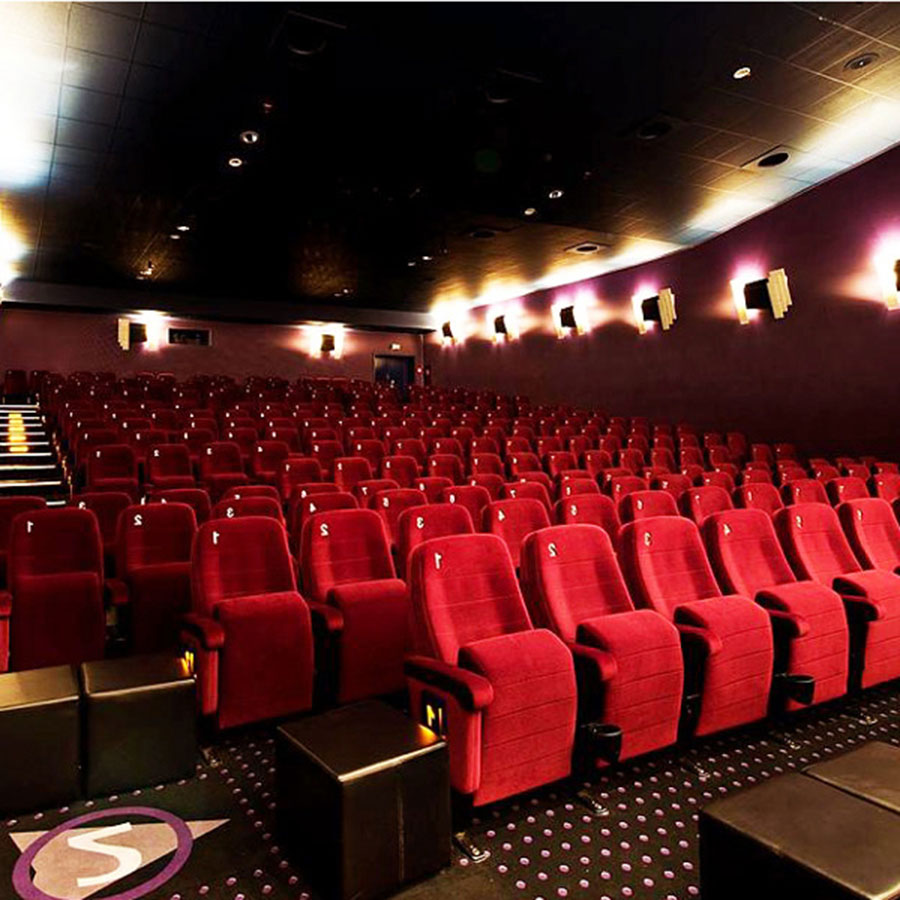 Krankfeiern im Kino