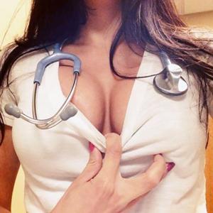 Frau Doktor, bitte machen Sie sich frei!