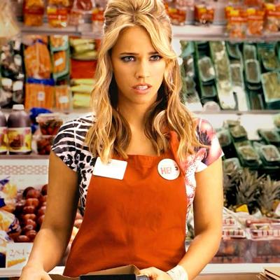 Die heiße, blonde Supermarkt-Kassiererin